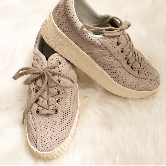 TRETORN NYLITE 3 BOLD Tennis Shoes Sand